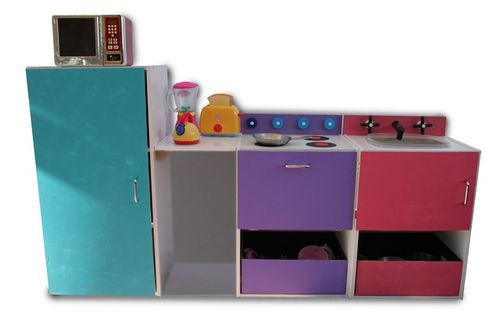 Play-Kitchen-b-2
